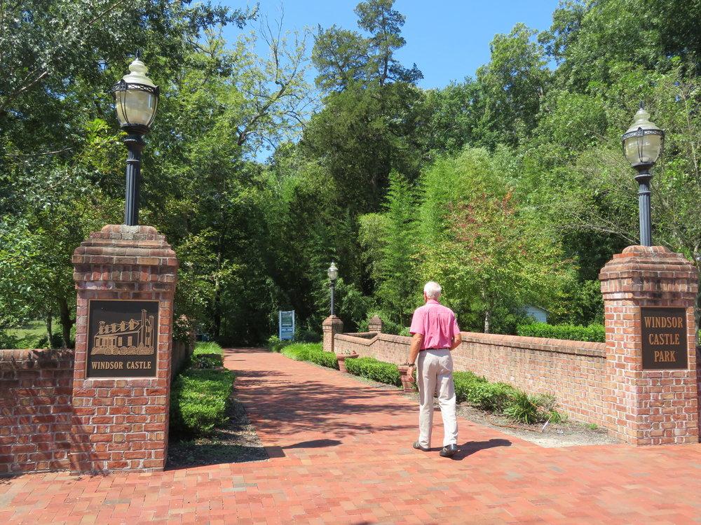 Entrance to Windsor Castle Park ... what a gem of a place!