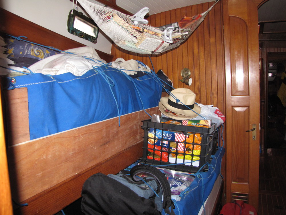 Pullman berth above; single berth below