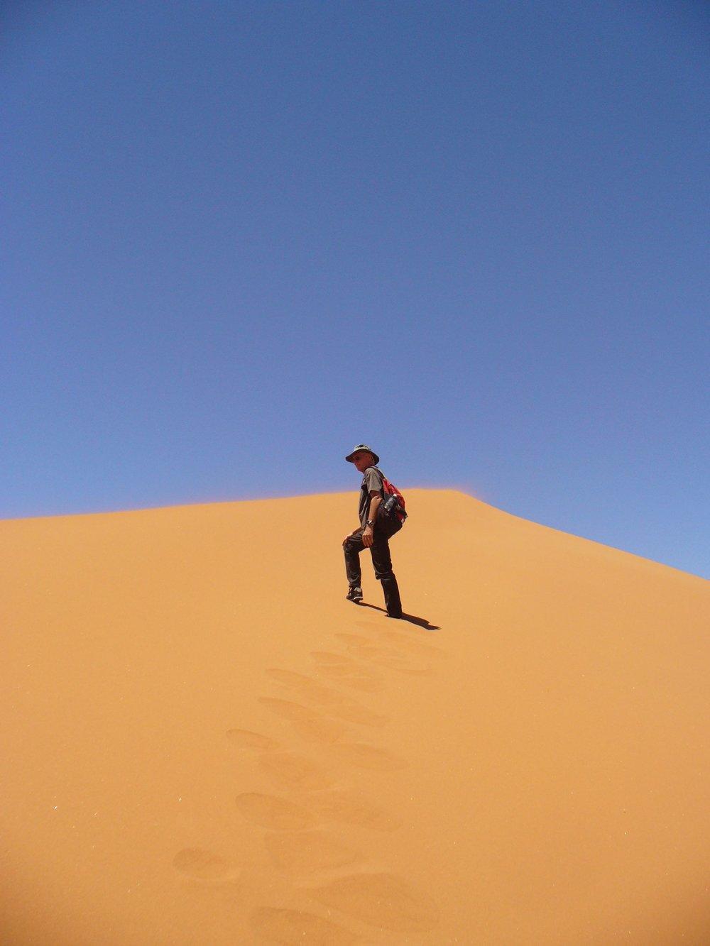 David climbs Dune 45