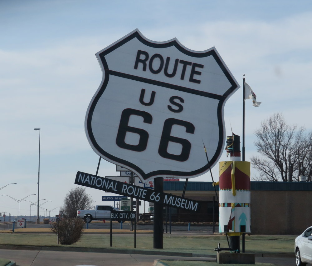 worlds largest rte 66 sign-elk city OK.JPG