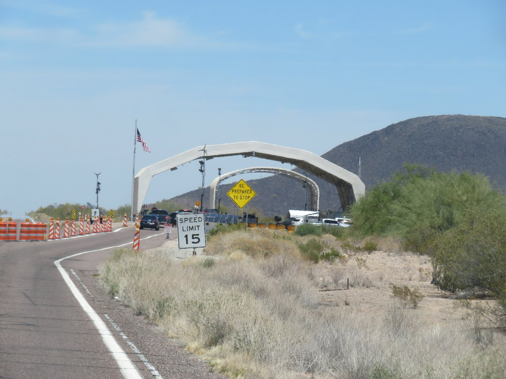 Border checkpoint at Arizona-Cali stateline