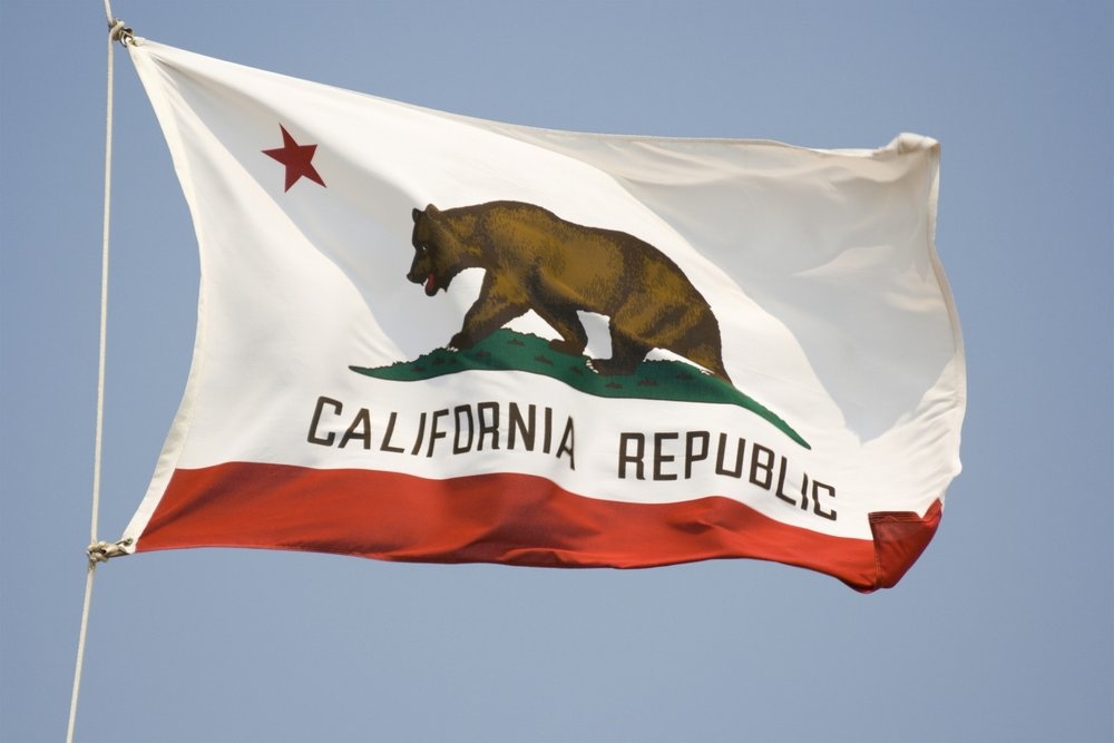 That's a grizzly on the California flag, but there are allegedly no grizzlies in Cali.