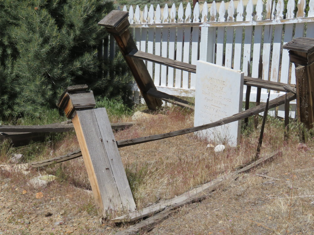 virginiacity_cemetery1.JPG