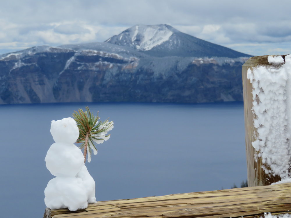craterlake_snowman.JPG