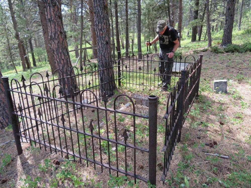 campcreek_zortman cemetery.JPG