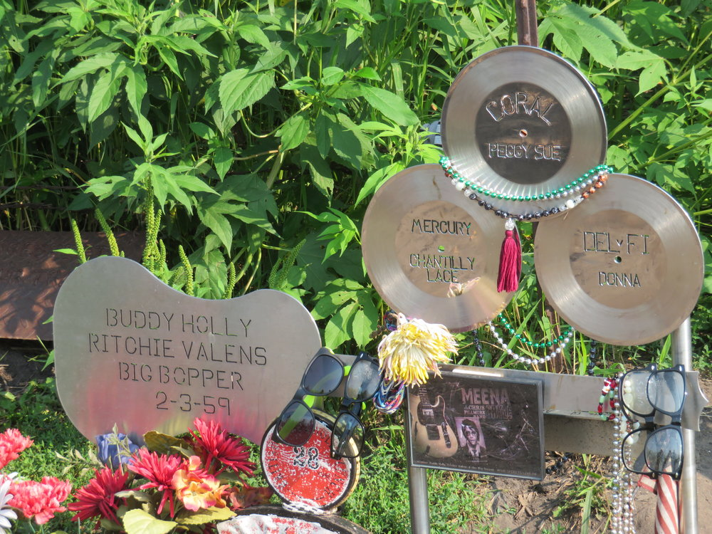 buddyholly_crash site memorial.JPG