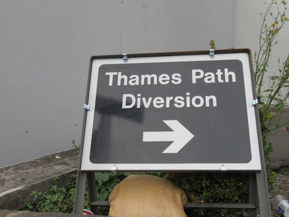 thames path diversion.JPG