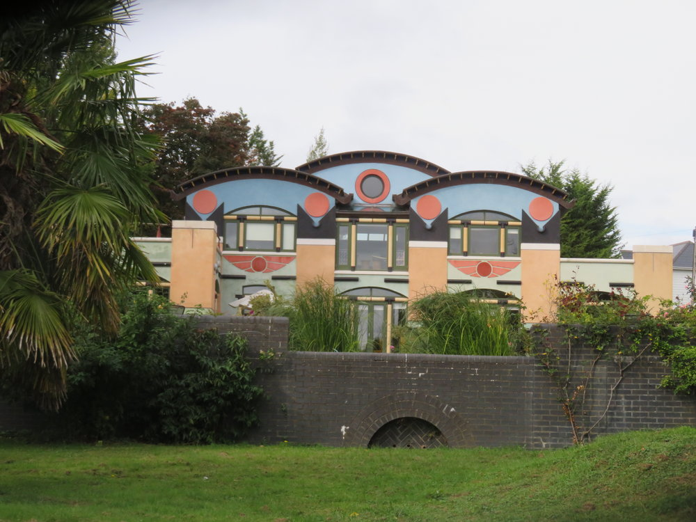 In sharp contrast to Anglo-Saxon churches, we were surprised to see an art deco (or is that art nouveau) estate along our route.