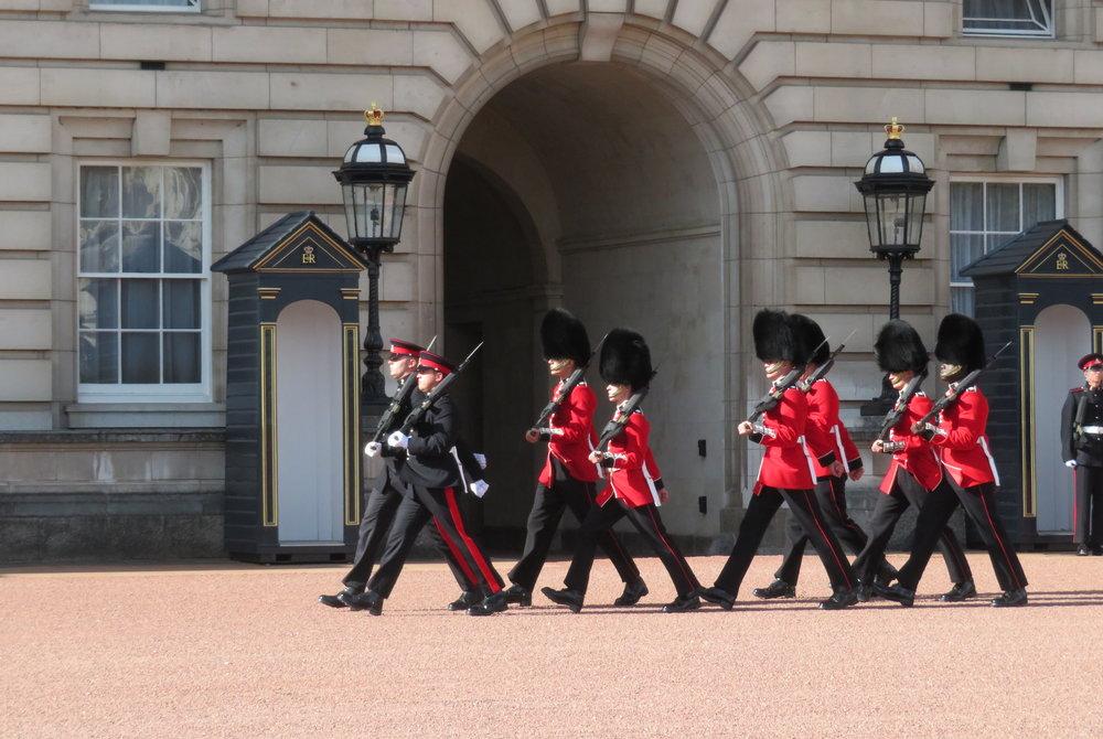 london1_changing guards.JPG
