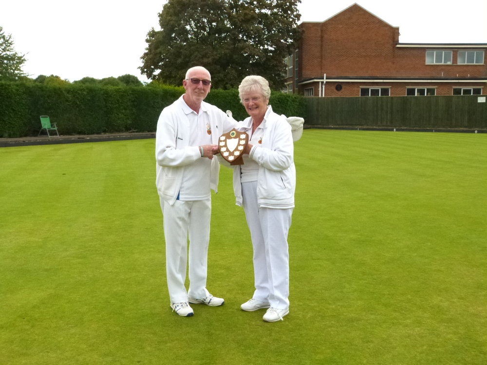 LADIES v MEN   Winners - Men (Capt.) Malcolm Williams  Runners Up - Ladies (Capt.) Sandy Baker