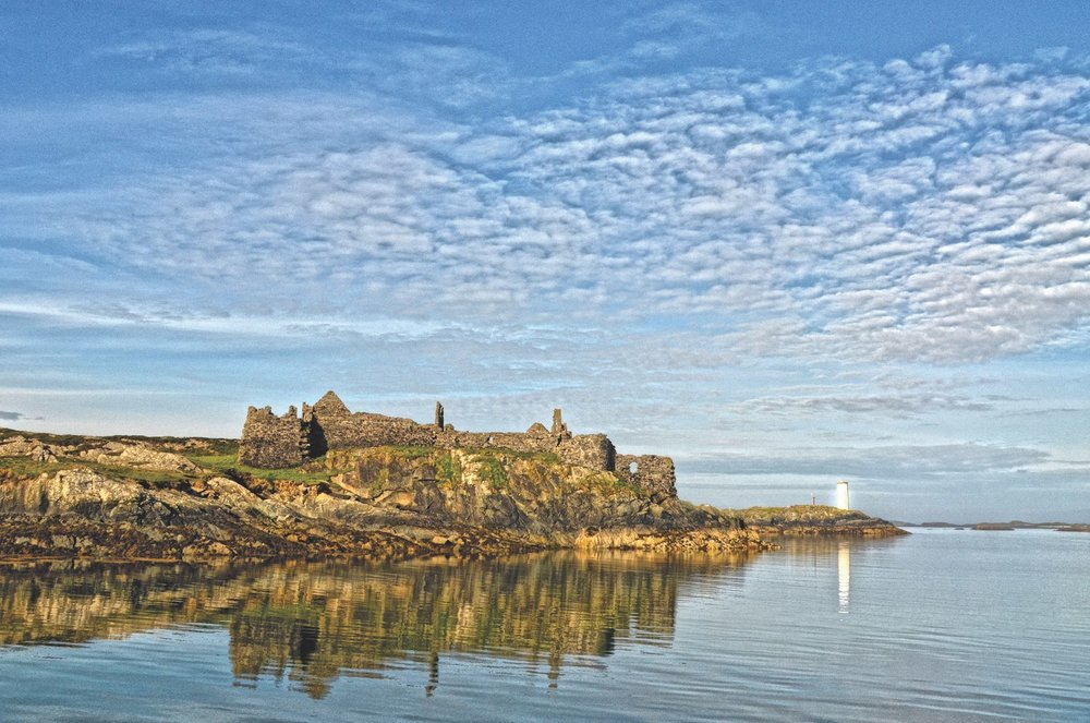 The ruin of Cromwell's Barracks guards the harbour mouth on Inishbofin's southern coast. Photo by Stephanie Salmon.