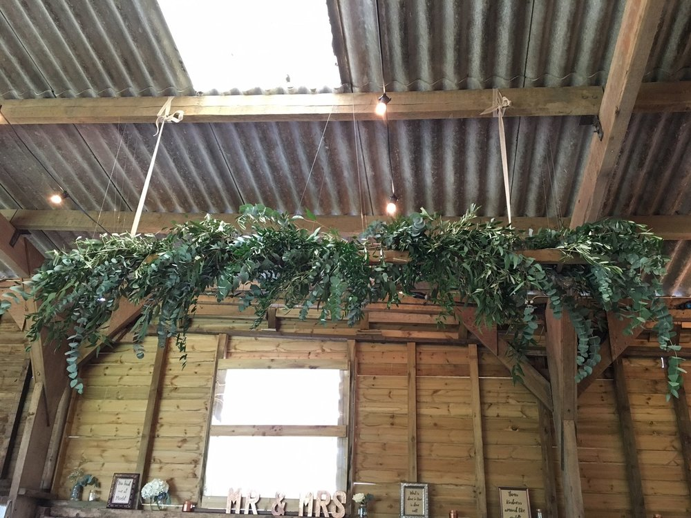 foliage ladder above top table.JPG