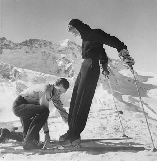 Photo:Emilio Pucci.com -1947年に設計された合理化されたスキー服は、アメリカのファッションプレスの注目を集めました。