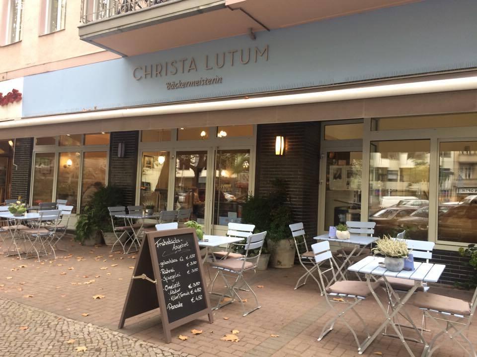 @MOMONO  Christa Lutum Bäckermeisterin