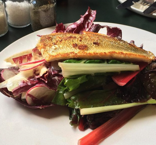 @Momono ORA グリルのお魚とドイツの秋の温野菜