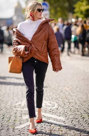 PHOTO:STYLE STALKER    Camille Charrière・ベーガンのレザーパフジャケット