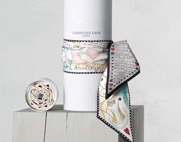 クリスチャンディオール Dioramour ・シルク・ミニ・ スカーフ   Photo:Dior