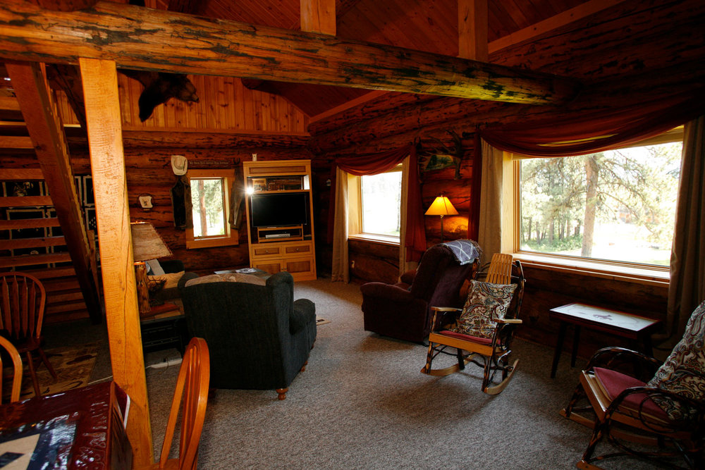 Western-log-lodge---Rich-Ranch.jpg