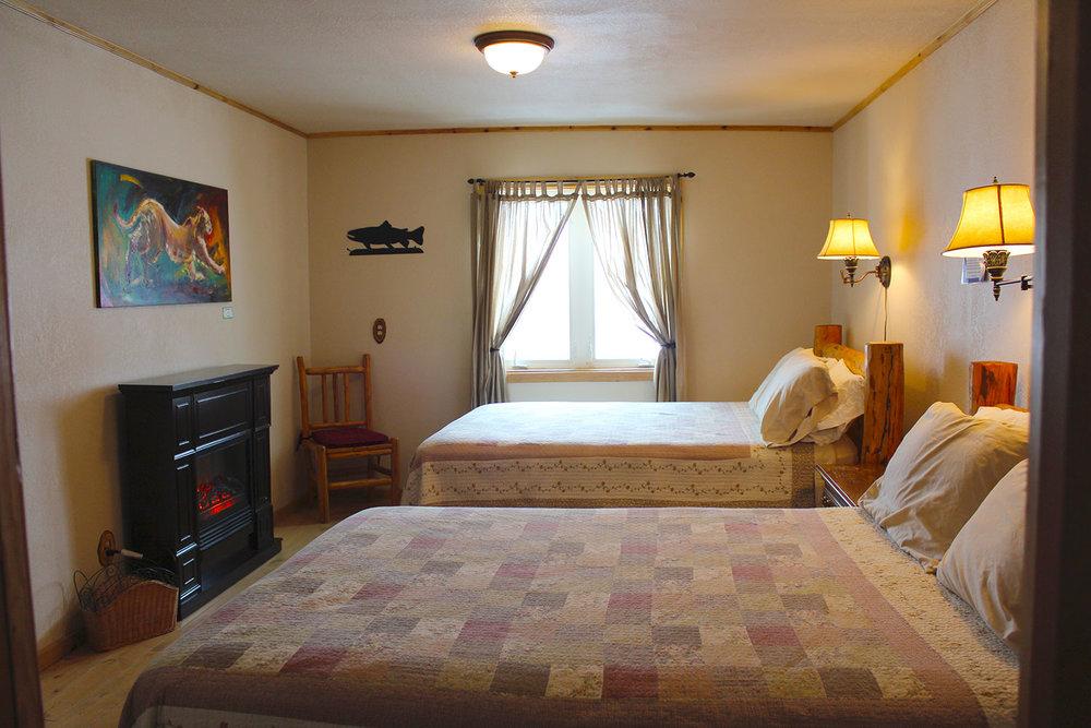 Ovando_Inn_0003_Room.jpg