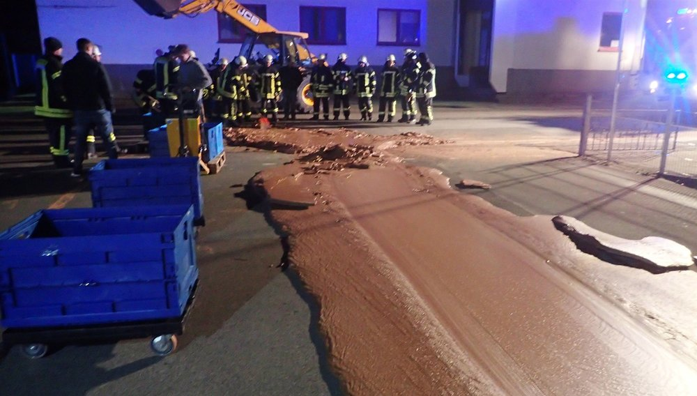 181212-spilt-chocolate-germany-se-German chocolate factory spill makes for sweet street