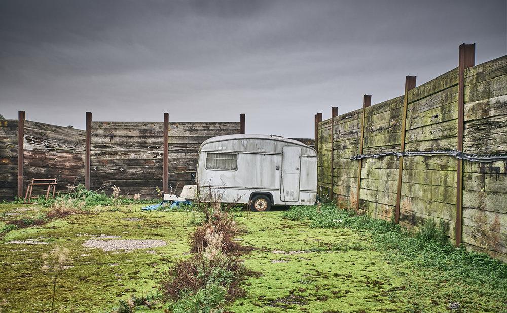 Lone Caravan, Bushovel
