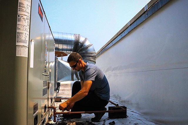 With these hot days stacked up one after the next a scheduled maintenance is the best way to ensure that your unit is prepared to handle the heat. A maintenance can identify small issues before they become big problems. Link in bio.