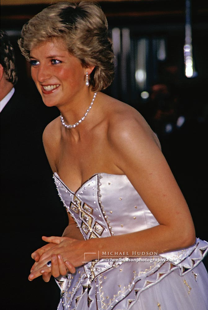 Princess Diana at James Bond film premiere, 1987