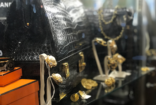 Since 1976, The Pasadena Antique Center And Annex Has Been A Trade Secret  Of Designers, Film Makers And Antique Dealers Worldwide!