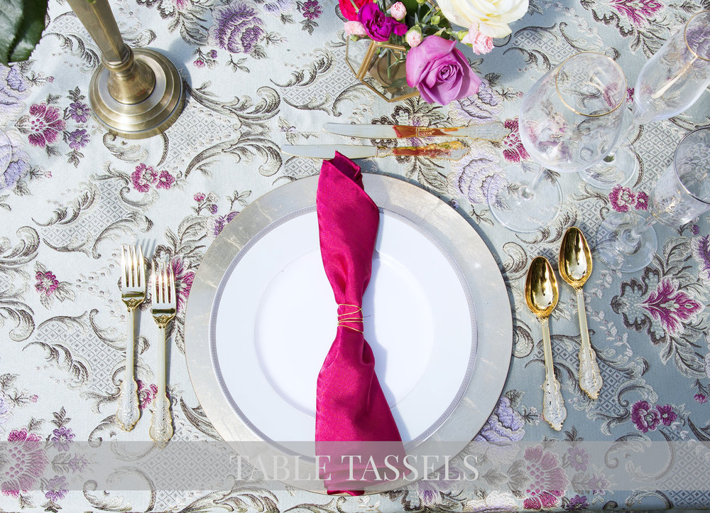 Baroque Mint Table Cloth with Fuschia Pink Satin Napkin and Gold Wire Ring
