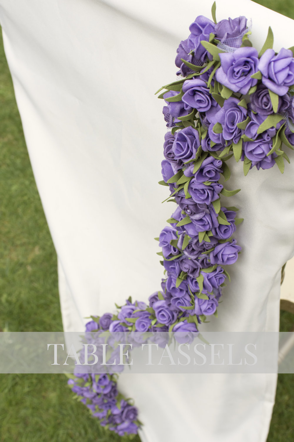 Lavender & Lilac Roses Vine on Ivory Chair Cover