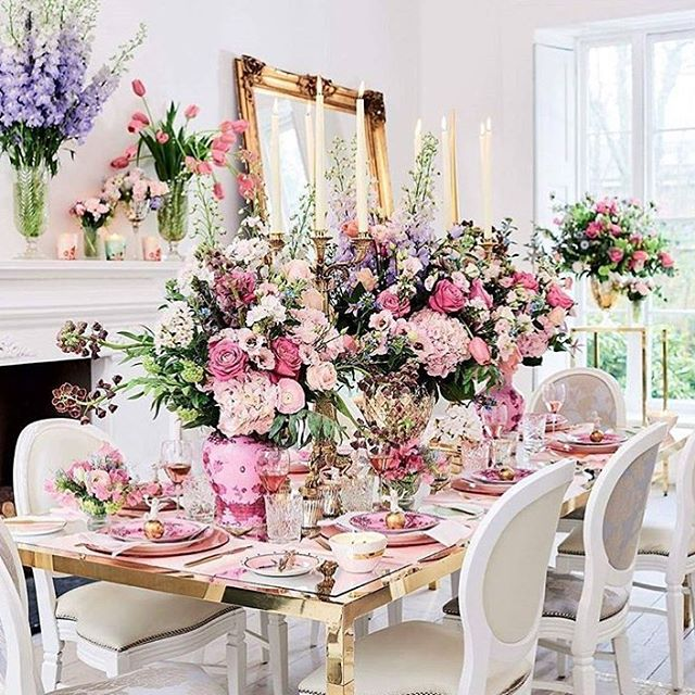 How beautiful is this decor? Looking for something like this - contact us - we will make it happen with the best #suppliers around #London