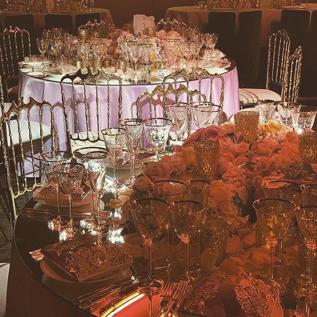 Magical evenings... Event Design: @tatiana_kharchylava_  Florals: @tonymarklew  #luxurylinen #bespokelinen #london #partyplanning #londonevents #linenhire #love #theartsclub #eventimagineer