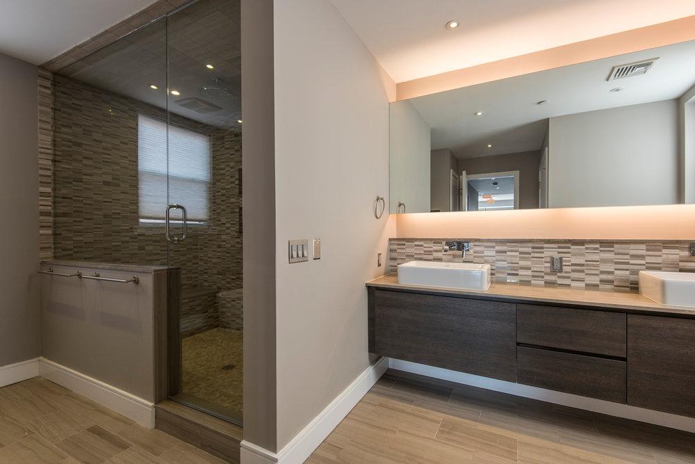 233 Chestnut Street | Penthouse Master Bath