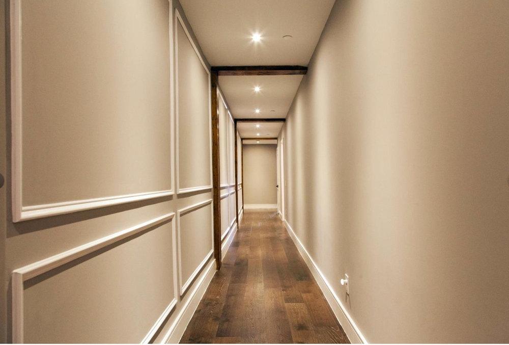 233 Chestnut Street | Unit 4 Hallway