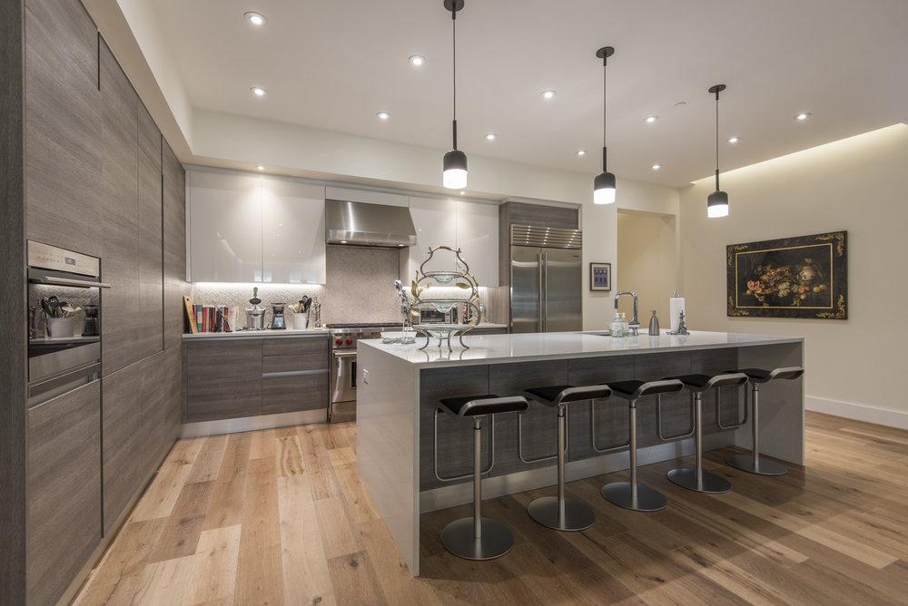 725 Chestnut Street | Unit 2 Kitchen