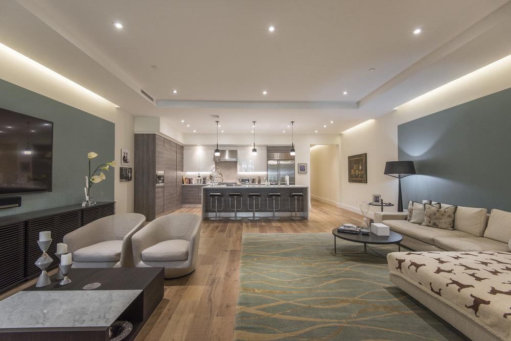 725 Chestnut Street | Unit 2 Living Room