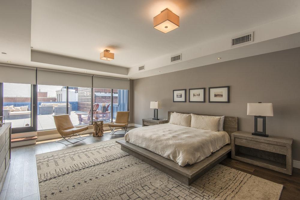 233 Chestnut Street | Penthouse Master Bedroom