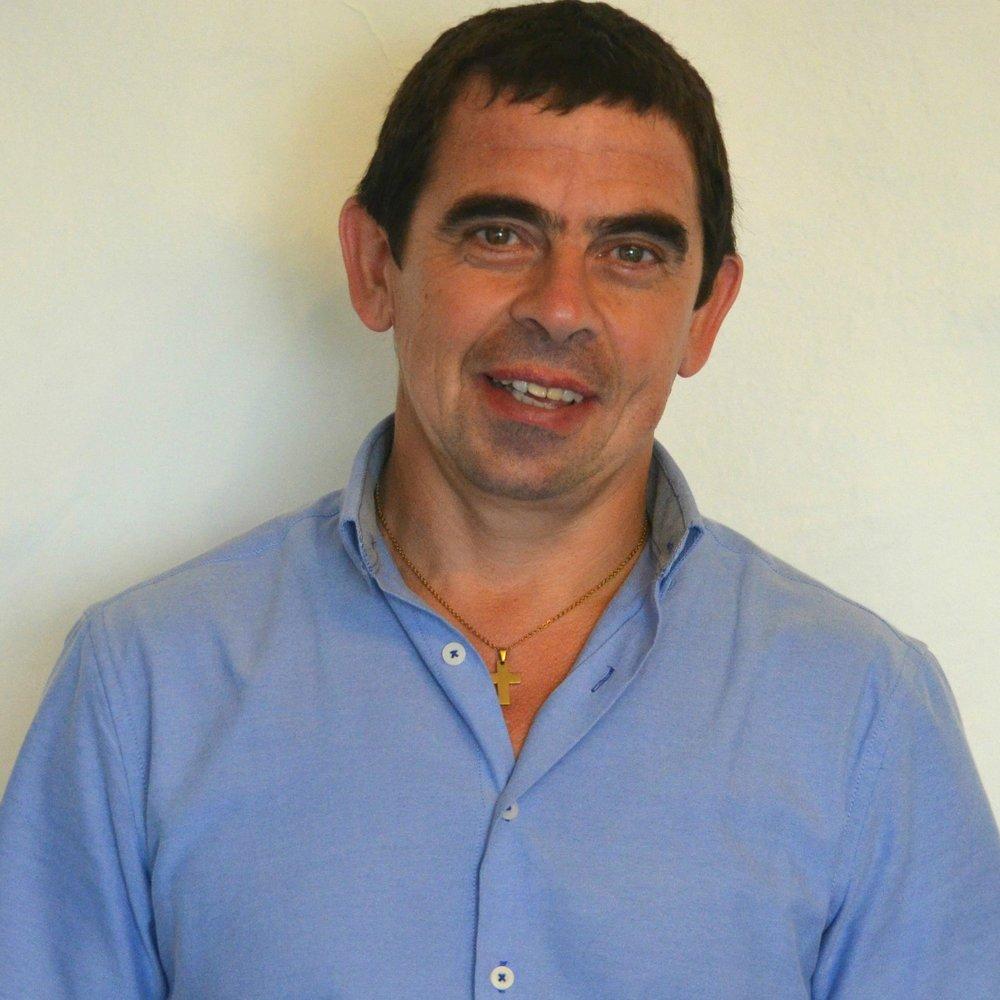 José Luis Pérez   Asistente Administración