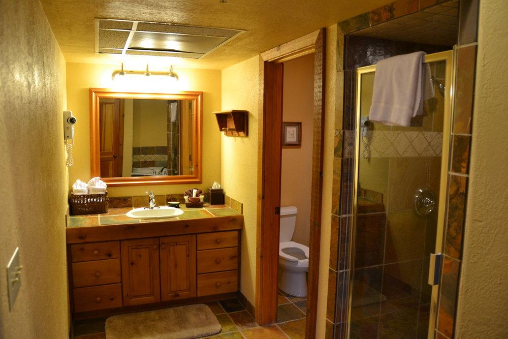 Suite Vanity.JPG