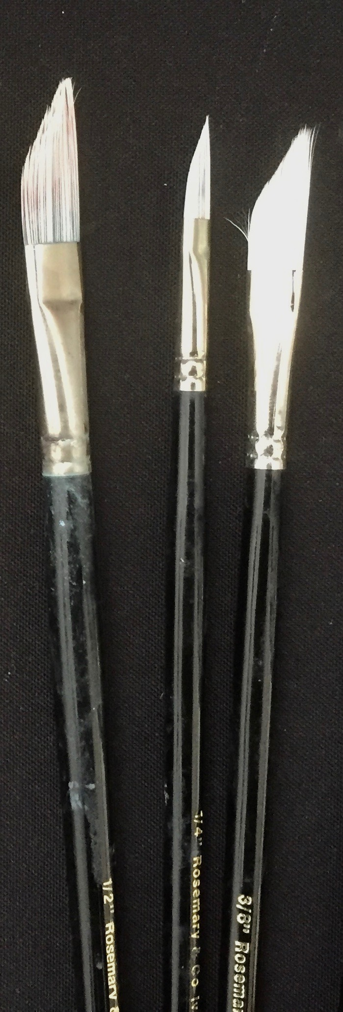 Dagger brushes.