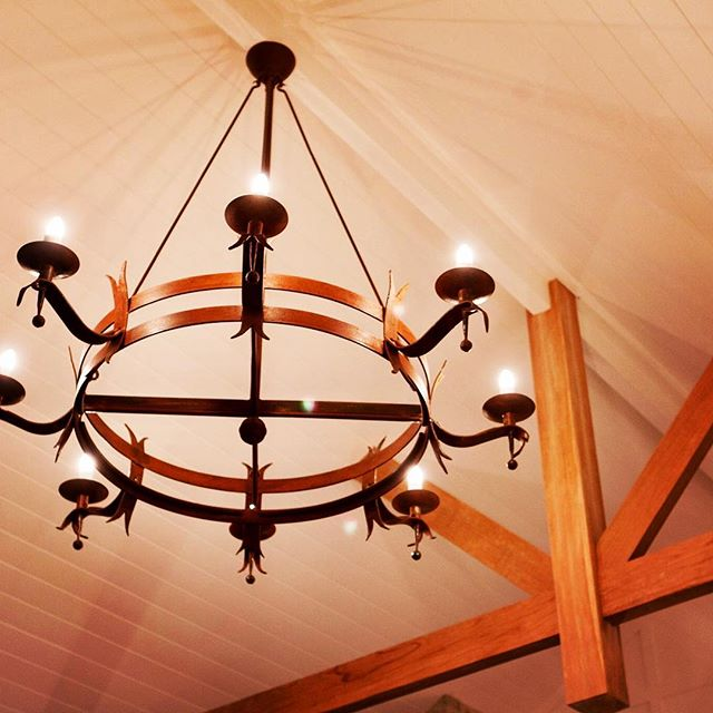 Bespoke Chandelier from a few years ago , great clients 😊#torajaluxury #lighting #chandelier #ironwork #blacksmithing #byronbay #bangalow #bespoke#custom