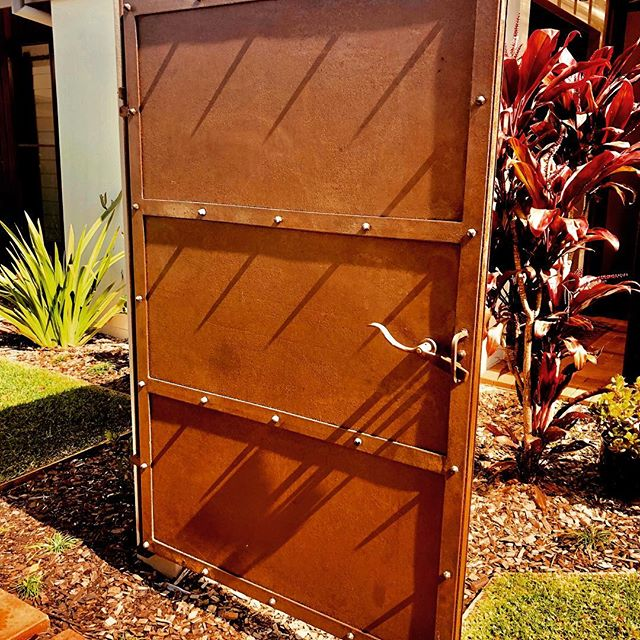 Courtyard Entry Gate  #bespoke #cortensteel #entrygate #ironwork #irongate #byronbay #gardengate