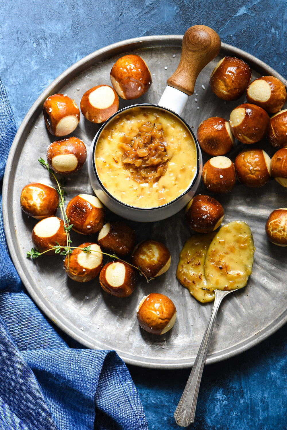 French-Onion-Cheese-Fondue-1.jpg