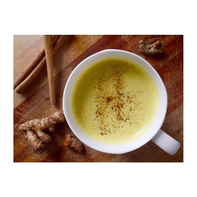Remember when turmeric was super hot and everyone was drinking Golden Milk bc it's so tasty and good for you? Guess what friends! It's still tasty and good for you! 🤗 Aaand it's super easy to make and is equally beneficial in it's vegan, vegetarian, and omnivore forms so everyone may enjoy it's delicious golden goodness 🙌 Cozy up with a cup tonight! Recipe is on the blog [Golden Milk], and the blog link is in my bio 😚❤️ . . . . . . . . . . . . #turmeric #feedfeed #buzzfeast #huffposttaste #CLkitchen #f52grams