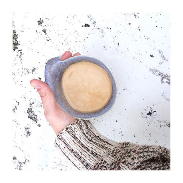 Coffee! The truest love I have found in this world! 💕☕️💕 . When I first started studying Ayurveda, I was told that coffee is totally not Ayurvedic and that we shouldn't drink it. This my friends, is absolutely not an option for me. My morning coffee is one of the very few non-negotiables in my life,  and is absolutely never to be messed with. . . It was however, at one point, giving me problems because my digestive system was über sensitive for some time. So I made a couple of small and delicious additions to my morning cuppa to make it more Ayurvedic and supportive to my gut. It's helped immensely as far as the sensitivity goes, and it's so delicious that normal coffee almost seems boring now. Just the addition of 3 beautiful little spices makes all the difference! . Recipe is up on the blog, and the blog link is in my bio! . . . . . . . . . . . #coffeelove #pourover #peoplebrewcoffee #thefeedfeed #thekarmickitchen #healingthrumealing