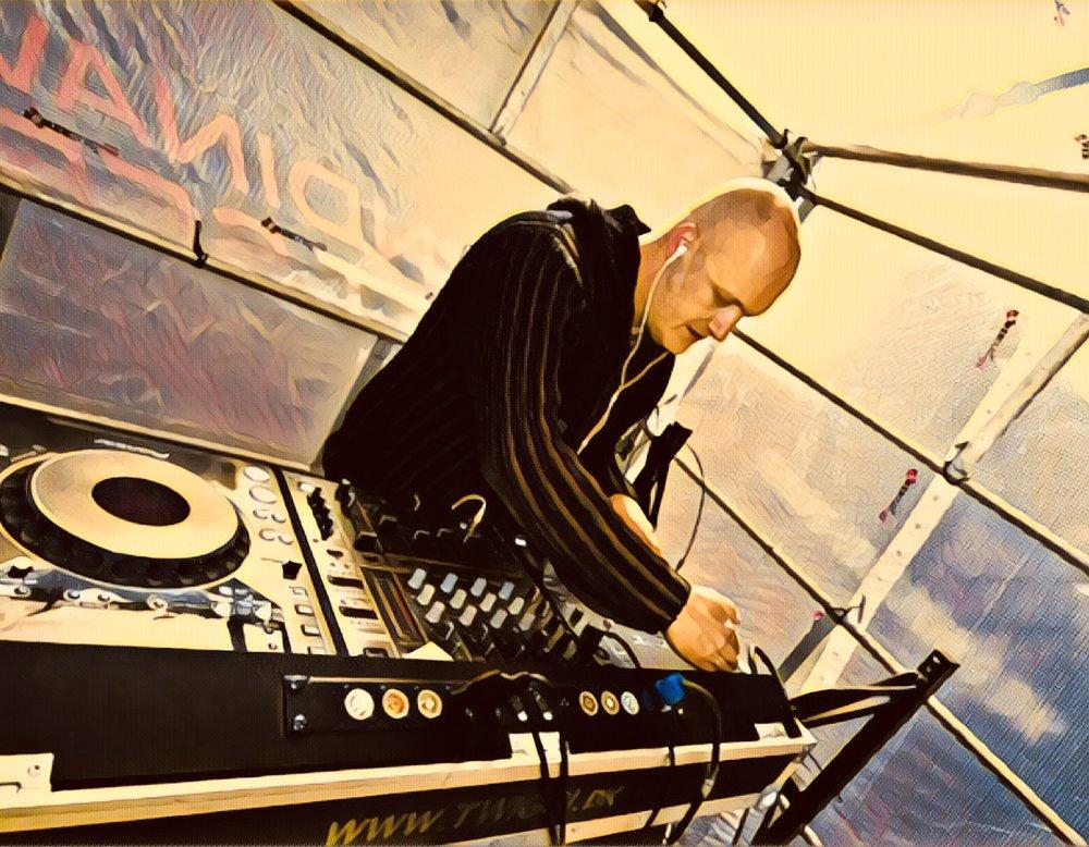 DJ Trix Filter.jpg