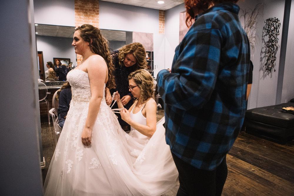 W&V_Wedding_Prep-53.jpg