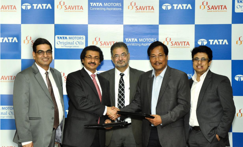 Left to Right: Mr Arvind Kapur, Executive VP, OEM Business, SOTL, Mr Gautam N Mehra, CMD, SOTL, Mr Sunil Aima, CEO – Lubes, SOTL. Mr. S. N. Barman - Vice President, Sales, Marketing & Customer Support, Passenger Vehicles Business Unit, Tata Motors , Mr Subhajit Roy, Senior General Manager & Head – Customer Care – Service & Spare Parts Domestic and International Business - Passenger Vehicles Business Unit, Tata Motors