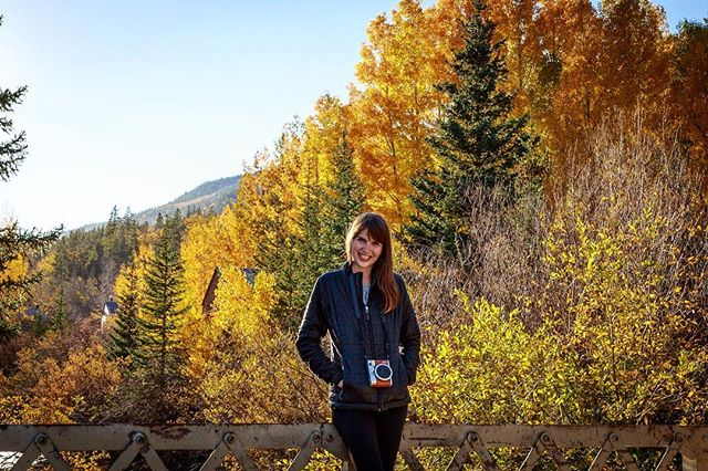 The most beautiful woman, with the most beautiful backdrop ❤️🍁 . . . . . #colorado #autumn #fall #luckyguy #imisshome #mygirl #discoverlandscape #welivetoexplore #discoverearth #beautifuldestinations #earthfocus #roamtheplanet #bevisuallyinspired #vibeofvisuals #amazingphotohunter #liveforthestory #roamearth  #thegreatoutdoors #canon #adventurephotography #travelphotography #natgeo #curiouscapture #wildernessnation #wildernessculture #theoutdoorfolk #exploretocreate #travelgram #lensbible #natgeotravel