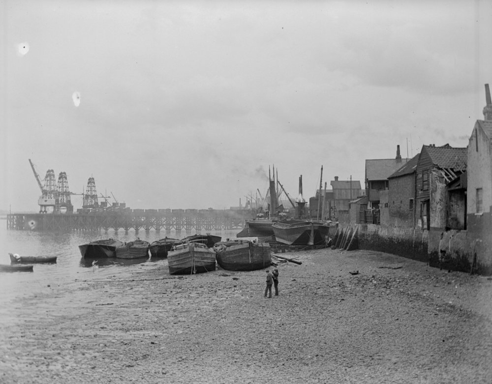 Erith Riverside Foreshore (1906)